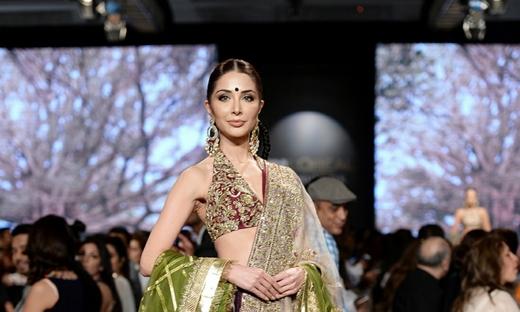 2018春夏婚紗[Shamsha Hashwani]巴基斯坦時裝發布會