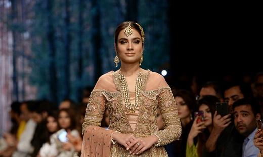 2018春夏婚紗[Shiza Hassan]巴基斯坦時裝發布會