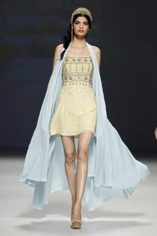 2015春夏婚紗[Matilde Cano]巴塞羅那時裝發布會